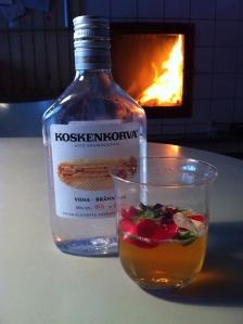 Vodka drink - with flowers of fall Foto Katrine Klinken 2013