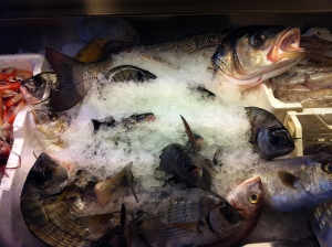 Frisk fisk fra et marked på Sicilien. Foto Klinken 2012
