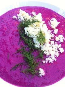 Kold russisk rødbedesuppe - perfekt spise pål varme sommerdage - foto Klinken sommer 2014