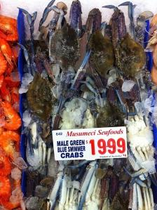 Friske skaldyr og fisk på fiskemarket i Sydney december 2013