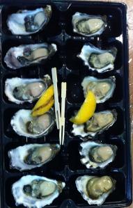 Friskt åbnede østers lige til at spise - Fiskemarkedet i Sydney julen 2013
