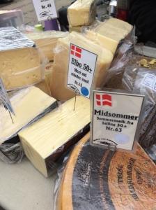 Osteudsalg på Bondens Marked på Østerbro - Købehavn vinter 2015